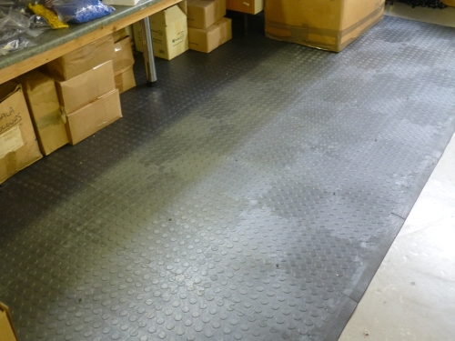 Pavimenti industriali in pvc campania compack s a s for Grandi pavimenti del garage